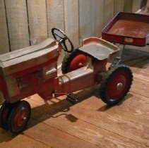 Image of Trailer, Farm (Toy) - 2013.126.010