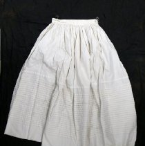 Image of Petticoat - 1986.067.040