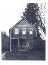 Image of PO.015.0155 - First Reinig house, later Pearson house near North end of Reinig Road.