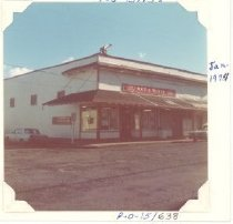 Image of PO.015.0638 - Red and White Store, January 1974, formerly Reinig Brothers Store.