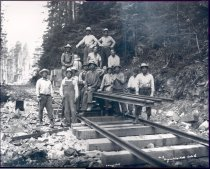 Image of PO.040.1357 - Japanese American railroad builders at Snoqualmie Falls Lumber Co.