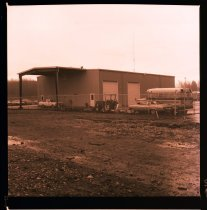 Image of 960.1981.12.28.01.10 - Lower Snoqualmie Valley School bus barn.