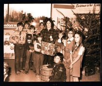 Image of 960.1981.12.28.02.07 - Scouts at Christmas.