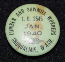 Image of 1056.014 - Snoqualmie Union button. January 1940.