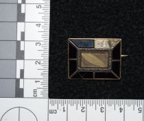 Image of 002.011. Black Pin With Hair Missing Stone (1)