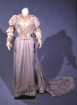 Image of 1939.12.1 - wedding dress