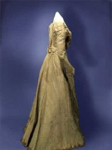 Image of Carrie Taylor dress (side view)