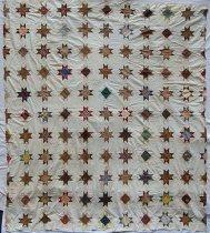 Image of 1999.32.1 - Ohio Star quilt top