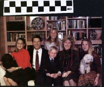 Image of Senator Al Gore and Family Christmas Wishes