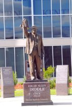 Image of E.A. Diddle Statue