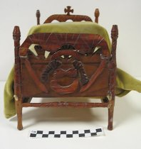 Image of 2008.201.17 - carved miniature bed