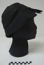 Image of Ladies' hat - Cloche