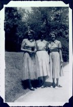 Image of Unidentified Girls - Unknown