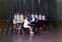 Image of College High Choir - Unknown