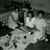 Image of McLean Hall Residents - Unknown