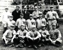 Image of WKU Baseball Team - Poral Photo