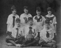 Image of Women's Basketball Team - Unknown