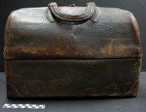 Image of KM2012.32.1 - Doctor's bag