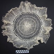 Image of KM2012.53.7 - Crochet doily