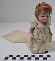 Image of 1974.20.1d - Bride doll