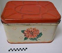 Image of KM2015.22.1 - Bread Box