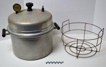 Image of Burpee Aristrocrat pressure cooker - Cooker, Pressure