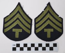 Image of 2003.122.1 - U. S. Army Technician 4th Grade patch