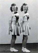 Image of WKU Cheerleaders - Unknown