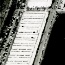 Image of AE 0072A - Aerial view north over the PEPCO Buzzard Point Plant.