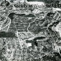 Image of AE 0009 - Aerial view north from Braddock Road down Cameron Mills Road to Glebe Road
