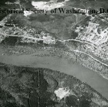 Image of AE 0174 - View north over the Potomac River, MacArthur Boulevard, in the Cabin John, Glen Echo areas.
