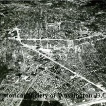 Image of AE 0064 - Aerial view north over North Glebe Road, Wilson Boulevard, Washington Boulevard.