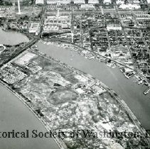 Image of AE 0070 - Aerial view north over East Potomac Park, Washington Channel, Southwest Waterfront.