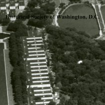 Image of AE 0269 - Aerial view east from the Potomac River over the Lincoln Memorial, Capitol, to the Anacostia River.