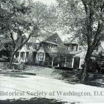 Image of WY 0105.02 - Holly Street (north side) west of 12th Street NW.