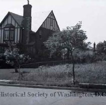 Image of WY 0107.02 - House on Holly Street near 13th Street NW.