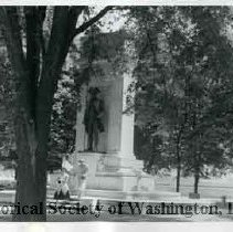 Image of WY 3271.46 - John Paul Jones monument, at the foot of 17th Street SW, north of the Tidal Basin.