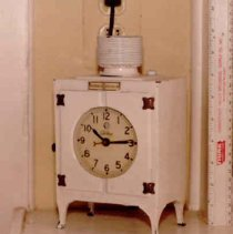 Image of 1987.009.0006a - Clock