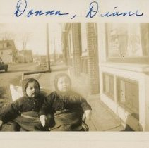 Image of Donna and Diane on Ocean Street