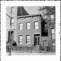 Image of [#109 Kent Street.] - John D. Morrell photographs