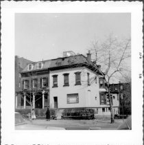 Image of [#481 Washington Avenue (at left).] - John D. Morrell photographs