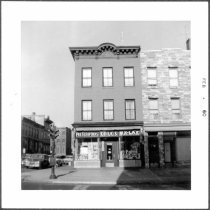 Image of [#415 Union Street on northeast corner of Hoyt Street and Union Street (drugstore.)] - John D. Morrell photographs