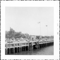 Image of [Canarsie Pier, Canarsie Park.] - John D. Morrell photographs