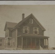 Image of [Vacation house] - Burton family papers and photographs