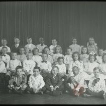 Image of [Group portrait of Sunday School children] - Emmanuel House lantern slide collection