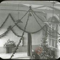 Image of Christmas Decorations [Emmanuel House] - Emmanuel House lantern slide collection