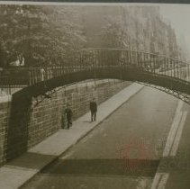 Image of [Penny Bridge, Montague Street, Brooklyn Heights] - Brooklyn slide collection