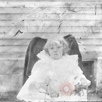 Image of [Little girl in chair] - William Koch glass plate negatives