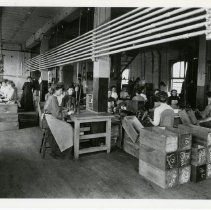 Image of [Women workers in the pencil factory] - Eberhard Faber Pencil Company collection