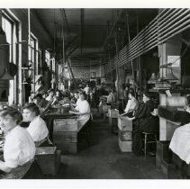 Image of [Female Pencil Factory Workers] - Eberhard Faber Pencil Company collection